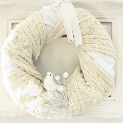 The coziest (and easiest) wreath ever made…