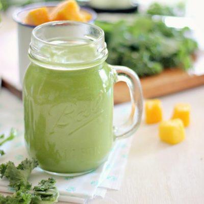 Kale mango smoothie