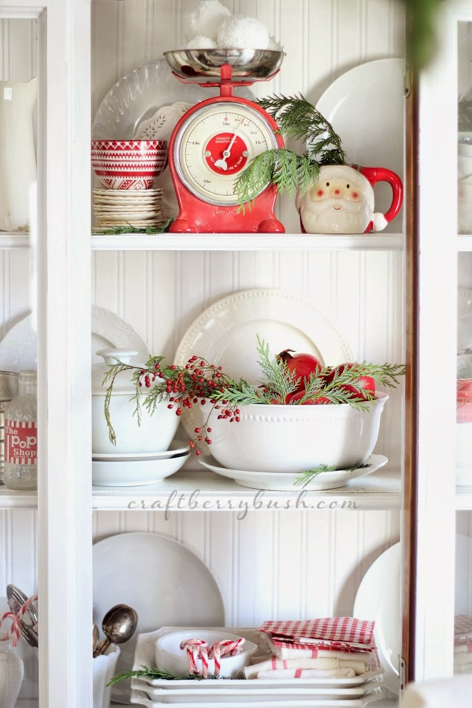 A Farmhouse Christmas – Christmas Hutch and 8 Styling Tips