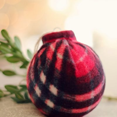 25 Days of Christmas – Plaid Scarf Ornament Tutorial