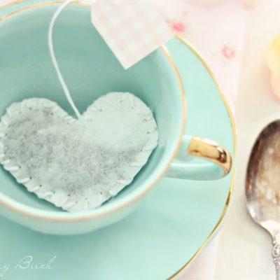 Heart shaped tea bag tutorial and free tea tag printables