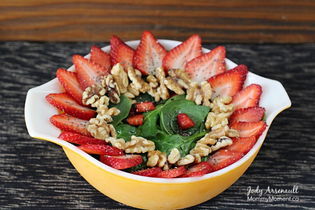 strawberry-spinach-salad-bowl1