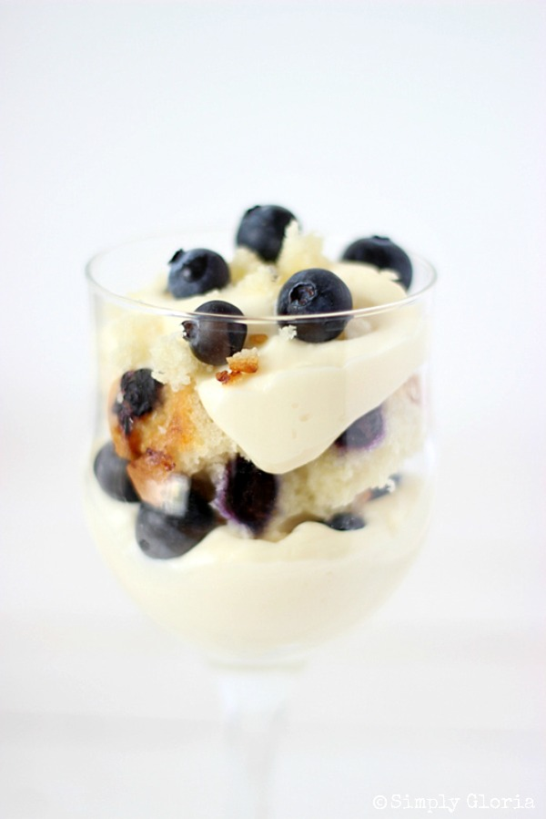 Delicious Summer Recipes : No Bake Blueberry Muffin Cheesecake Trifle