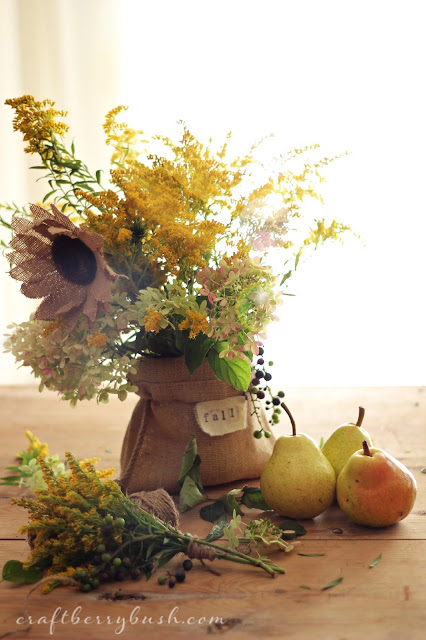 Simple foraged fall arrangement