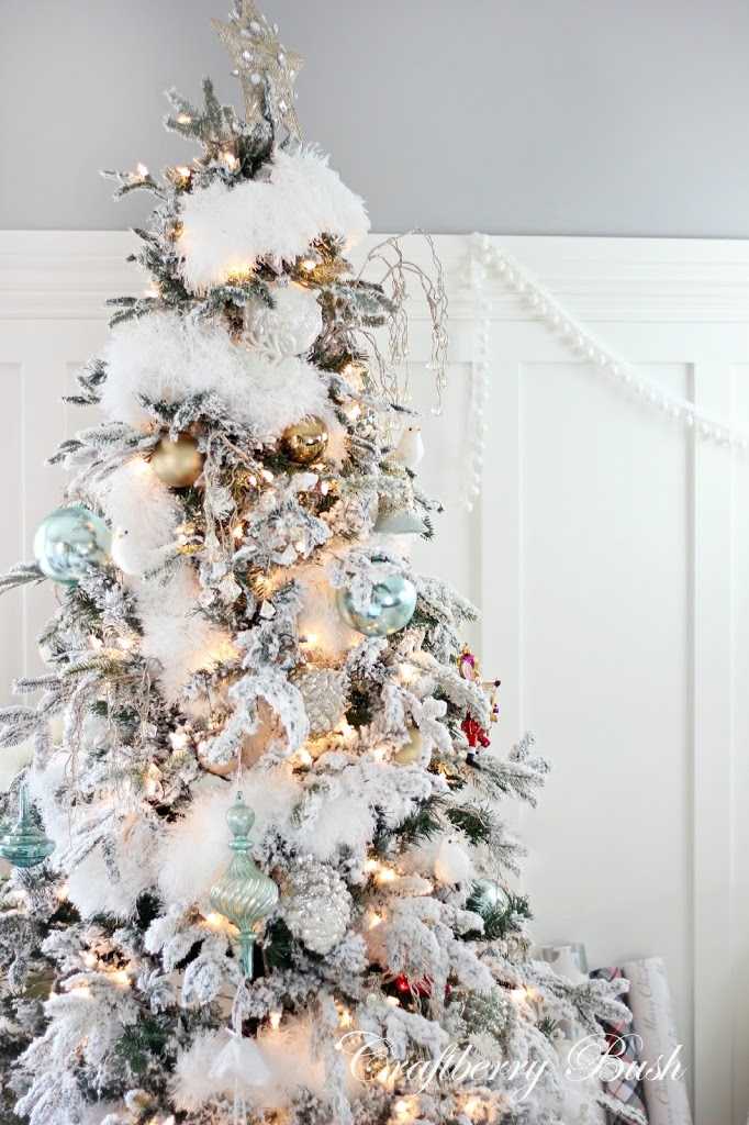 The flocked tree secret garland revealed see them there sitting all fluffy and perfect solutioingenieria Images