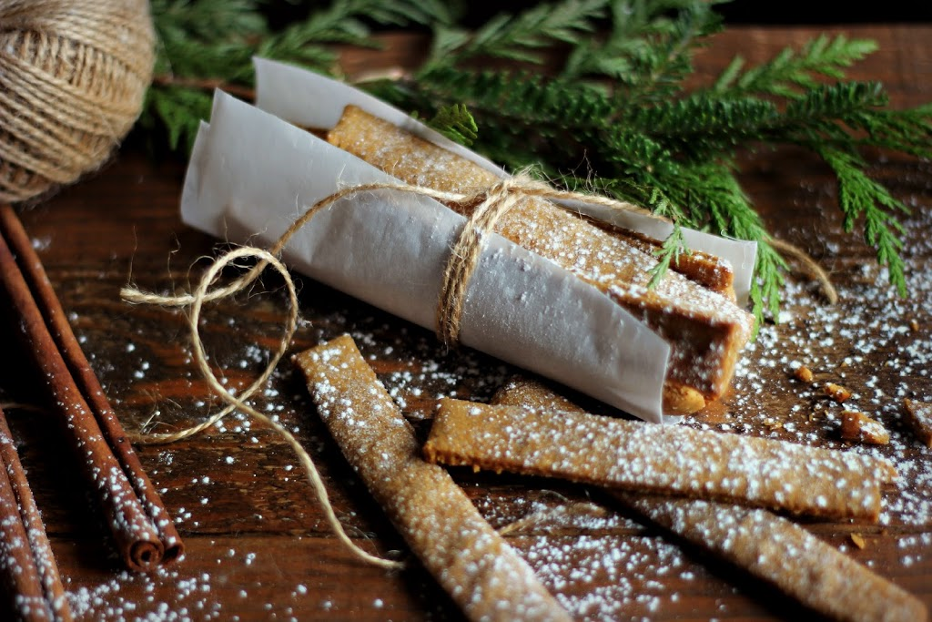 Gingerbread sticks recipe and gift ideas for the baker