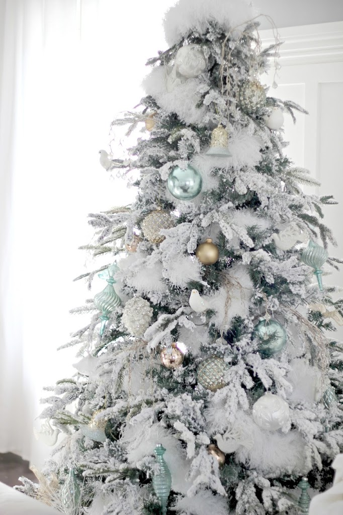 The Flocked Tree Secret Garland Revealed