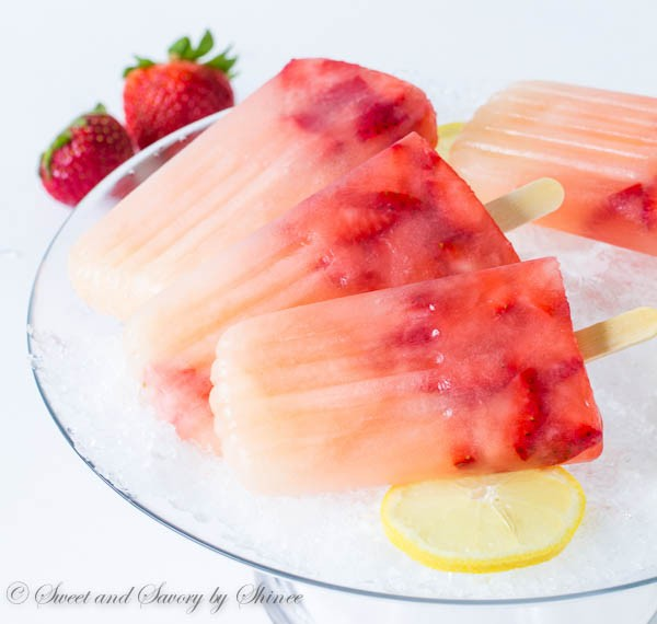 Strawberry-Lemonade-Popsicles-1-600x570