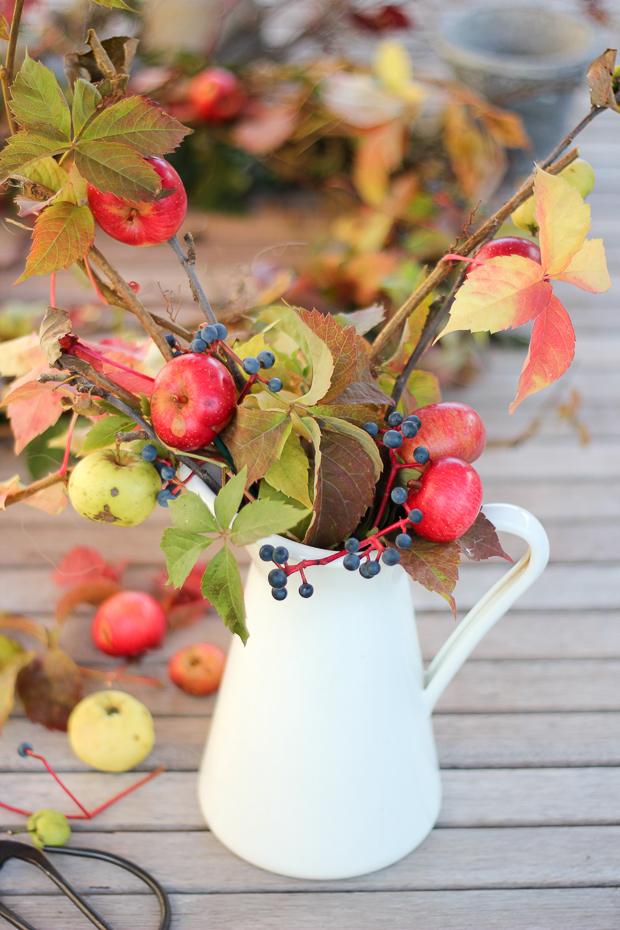 foragedfallarrangementcraftberrybush-2