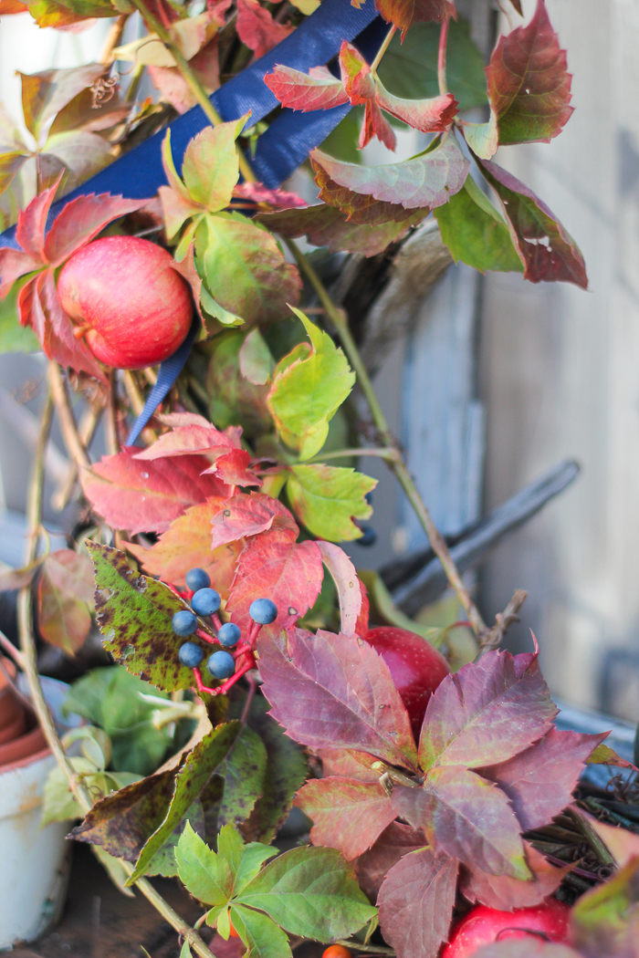 foragedwreathcraftberrybush