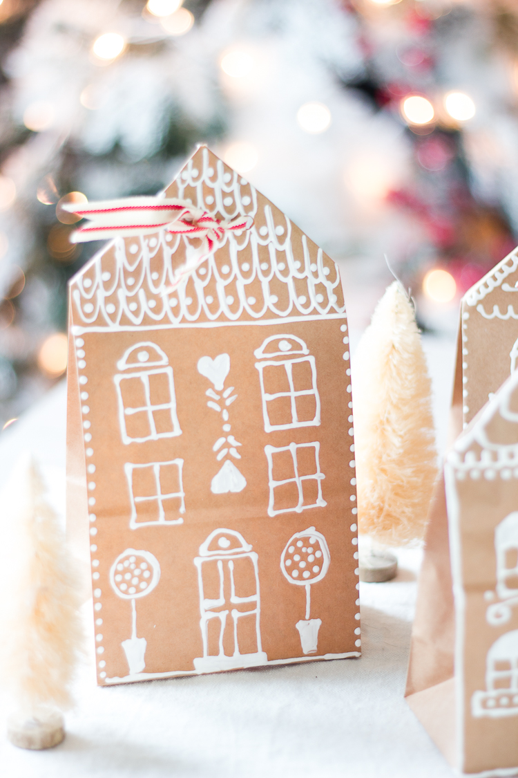 gingerbreadhousepaperbaggiftwrap-11