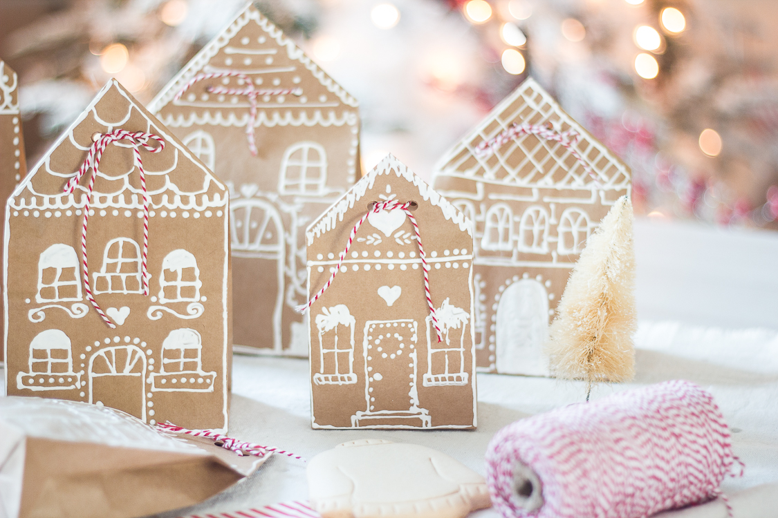 gingerbreadhousepaperbaggiftwrap-4
