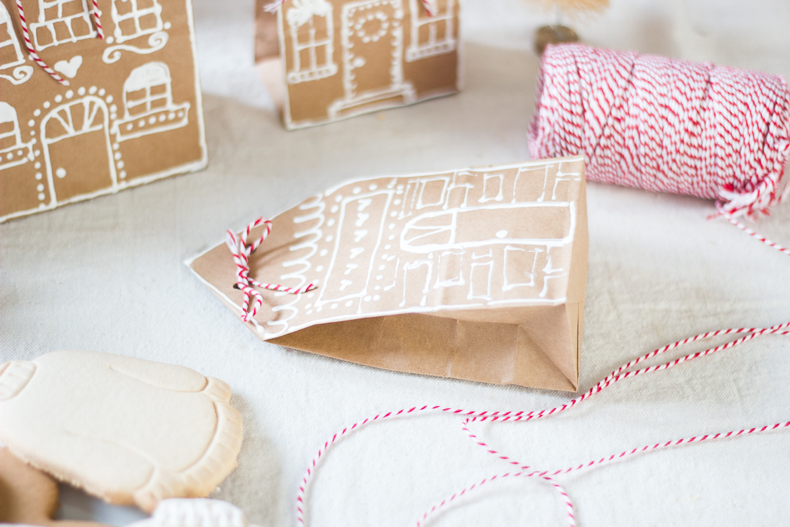 gingerbreadhousepaperbaggiftwrap-8