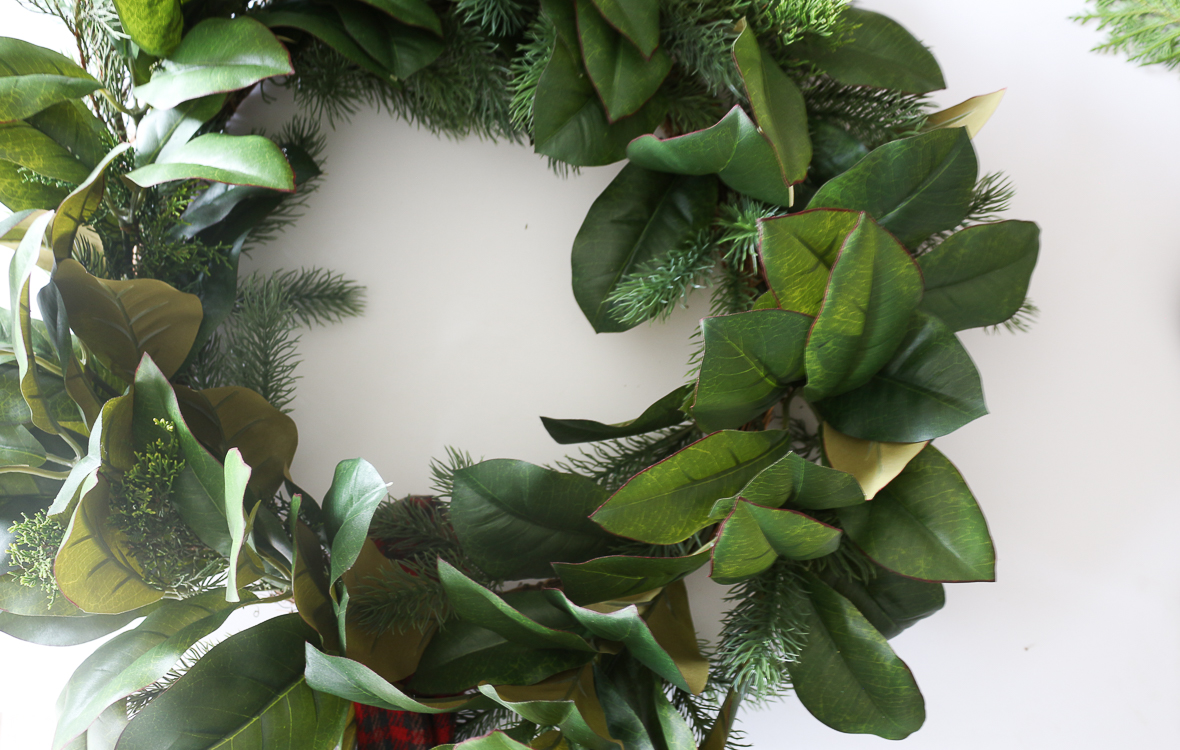 A garland hack and how to make and hang window christmas swag howtoenhanceawreath rubansaba
