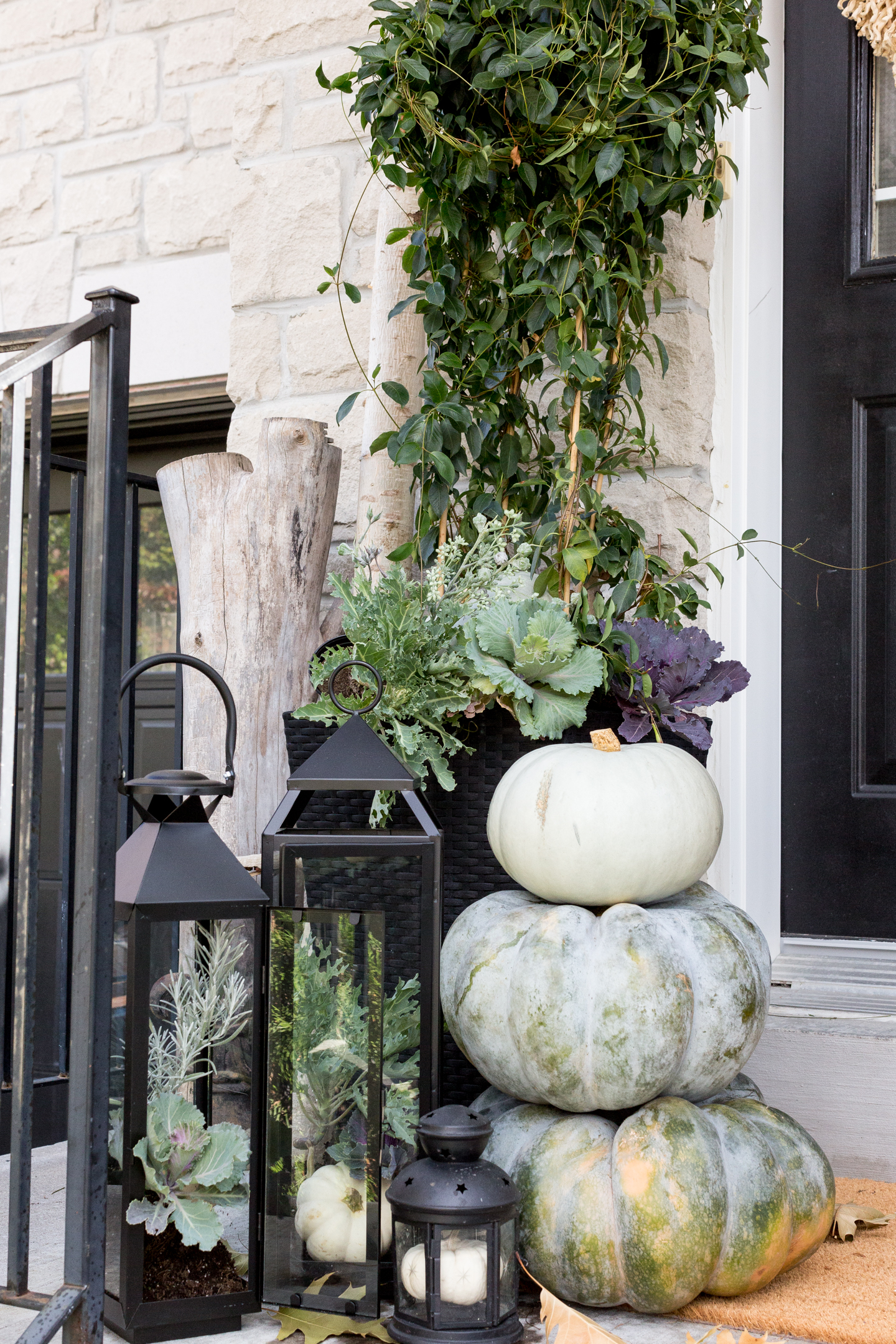 11 Fall Front Porch Ideas That Will Make Your Neighbors