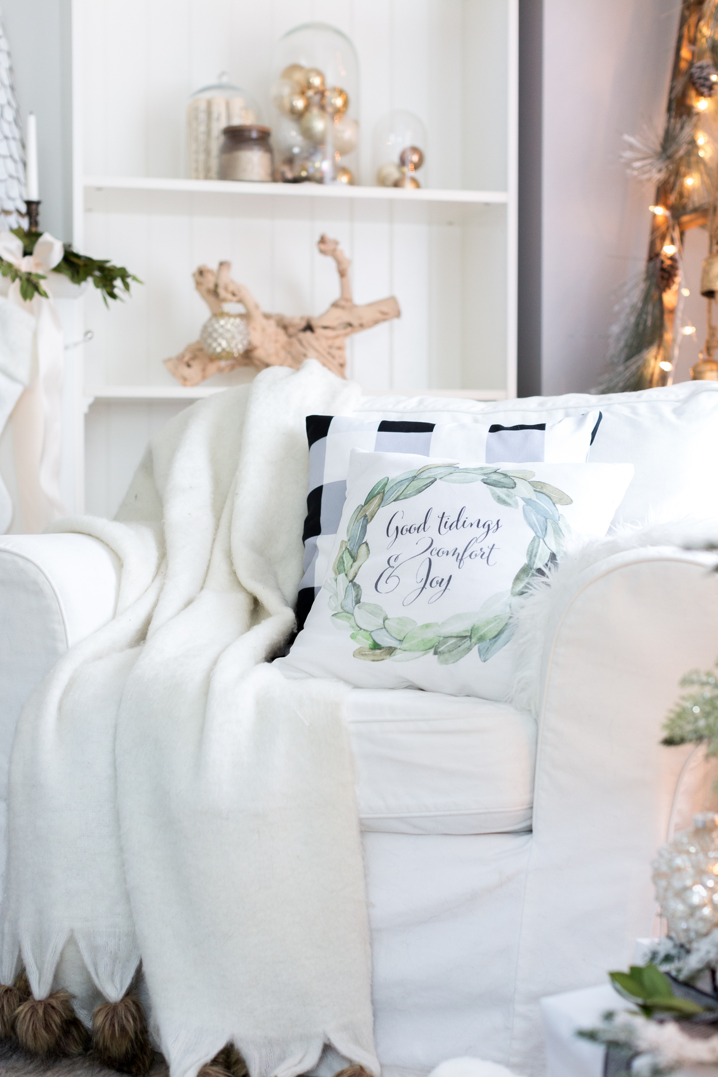 christmasfamilyroomcraftberrybush-10