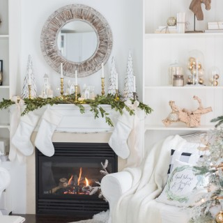 christmasfamilyroomcraftberrybush-11