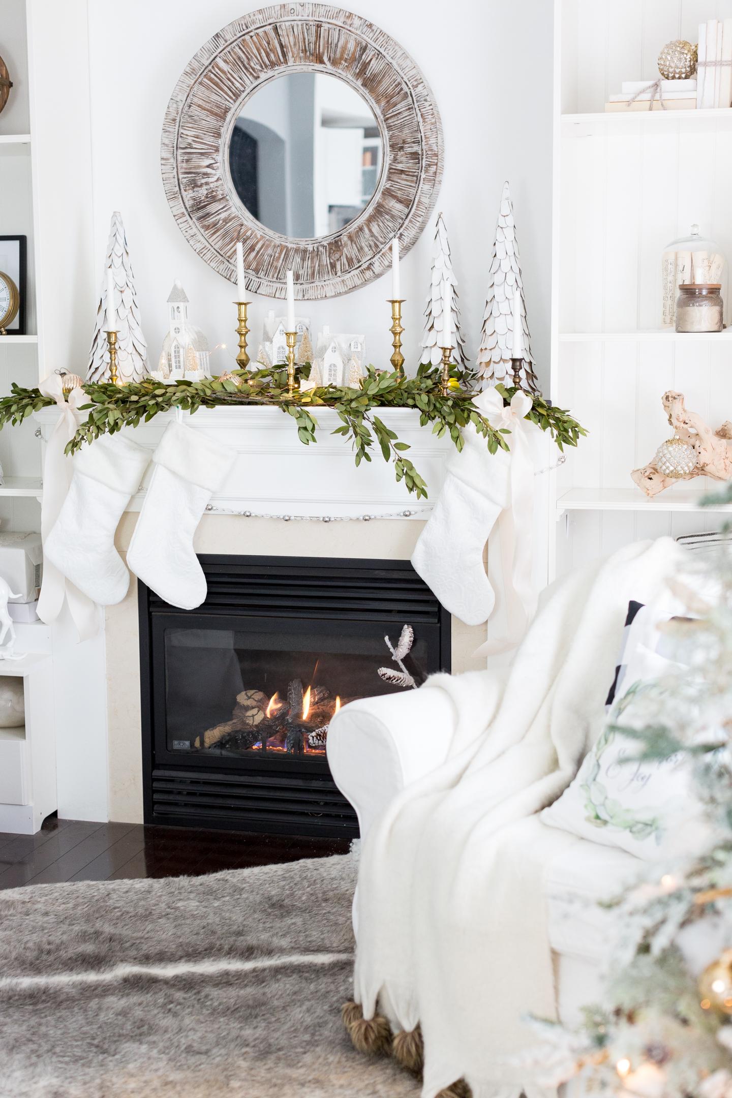 christmasfamilyroomcraftberrybush-18