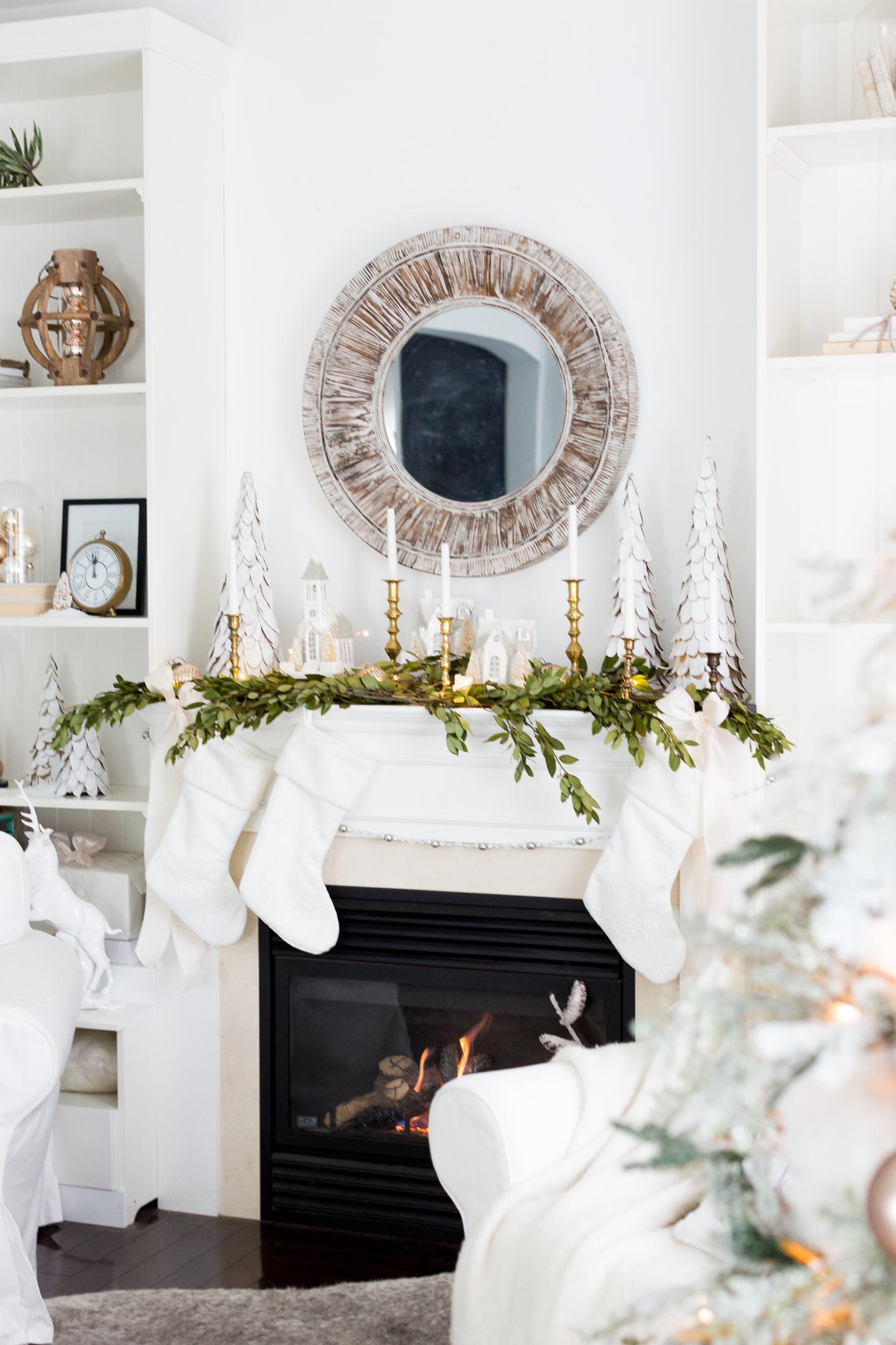 christmasfamilyroomcraftberrybush-20