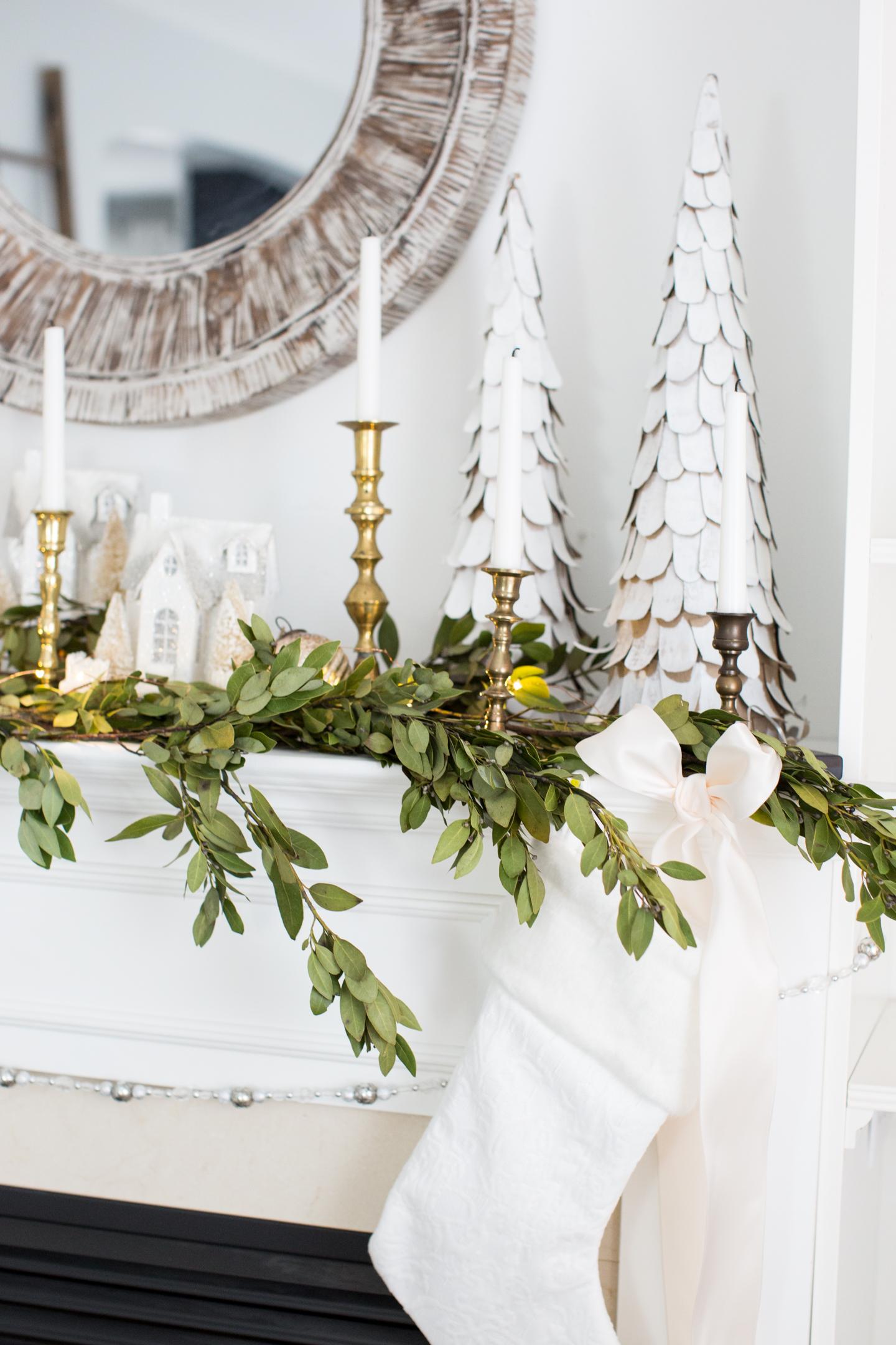 christmasfamilyroomcraftberrybush-21