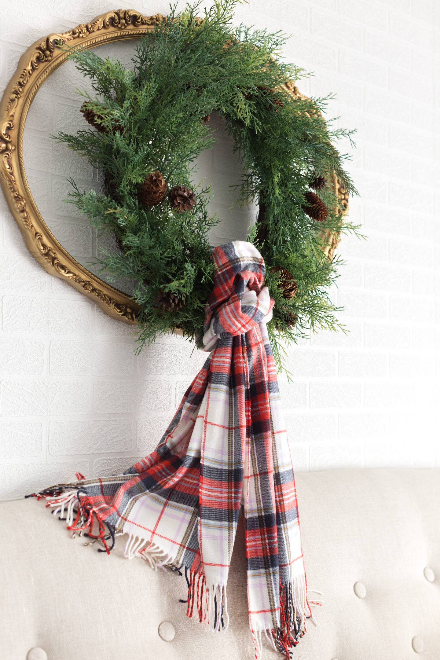 plaidchristmasbedroom_-4