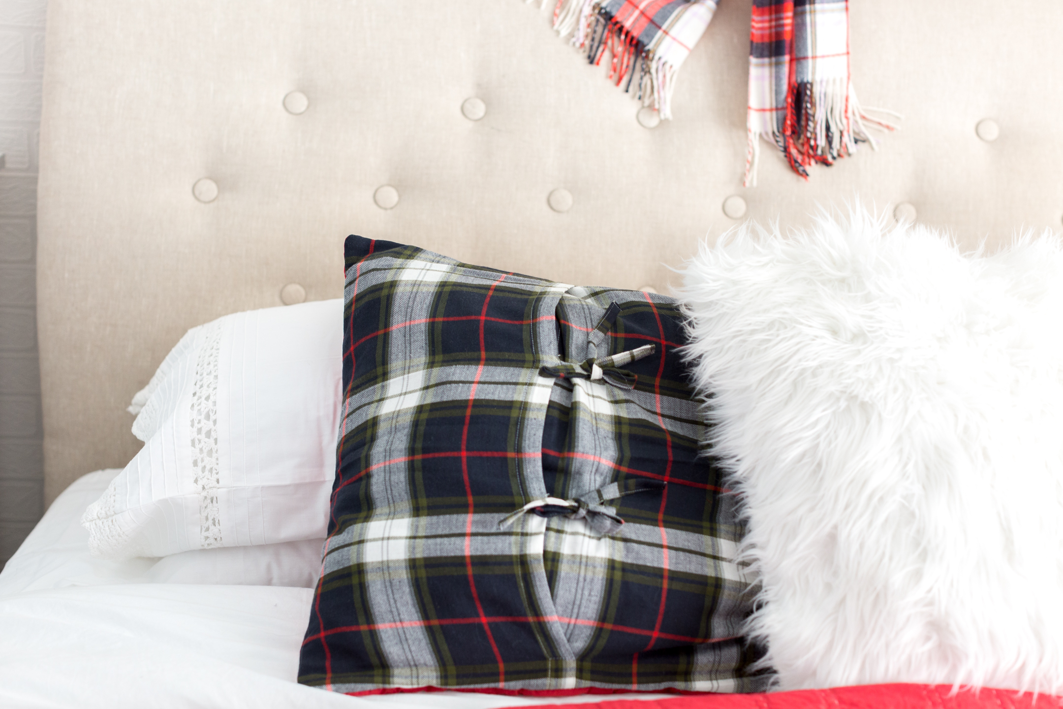 plaidchristmasbedroom_-5