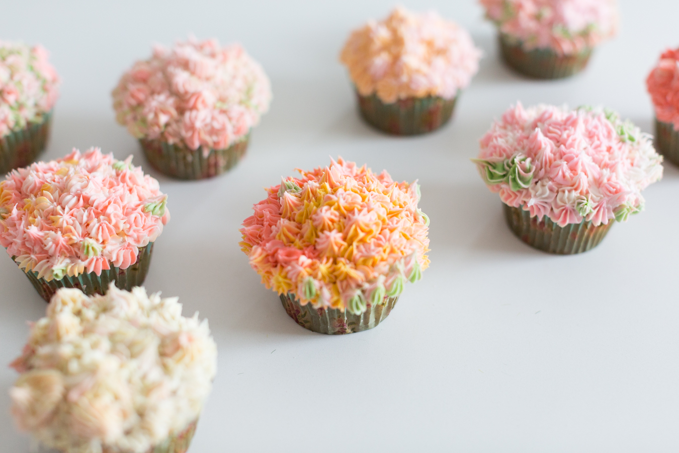 flower cupcake arrangement_