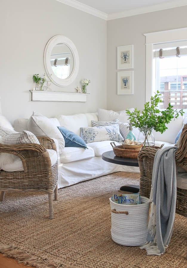 White-sectional-with-jute-rug
