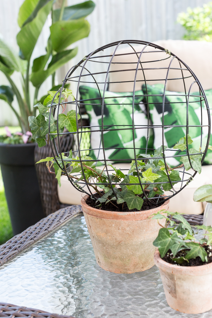 Wire Orb Topiary DIY_-10