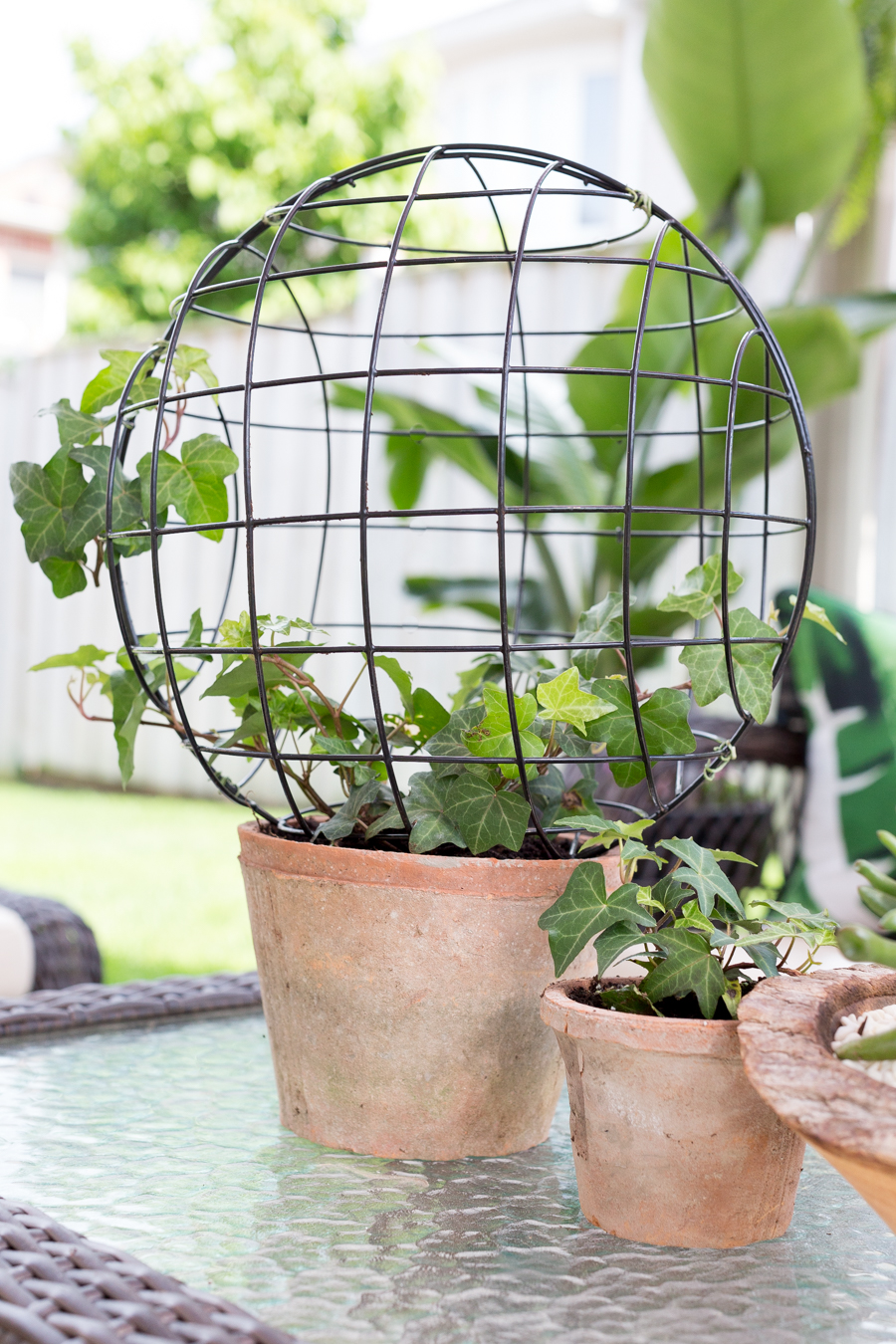 Wire Orb Topiary DIY_-5