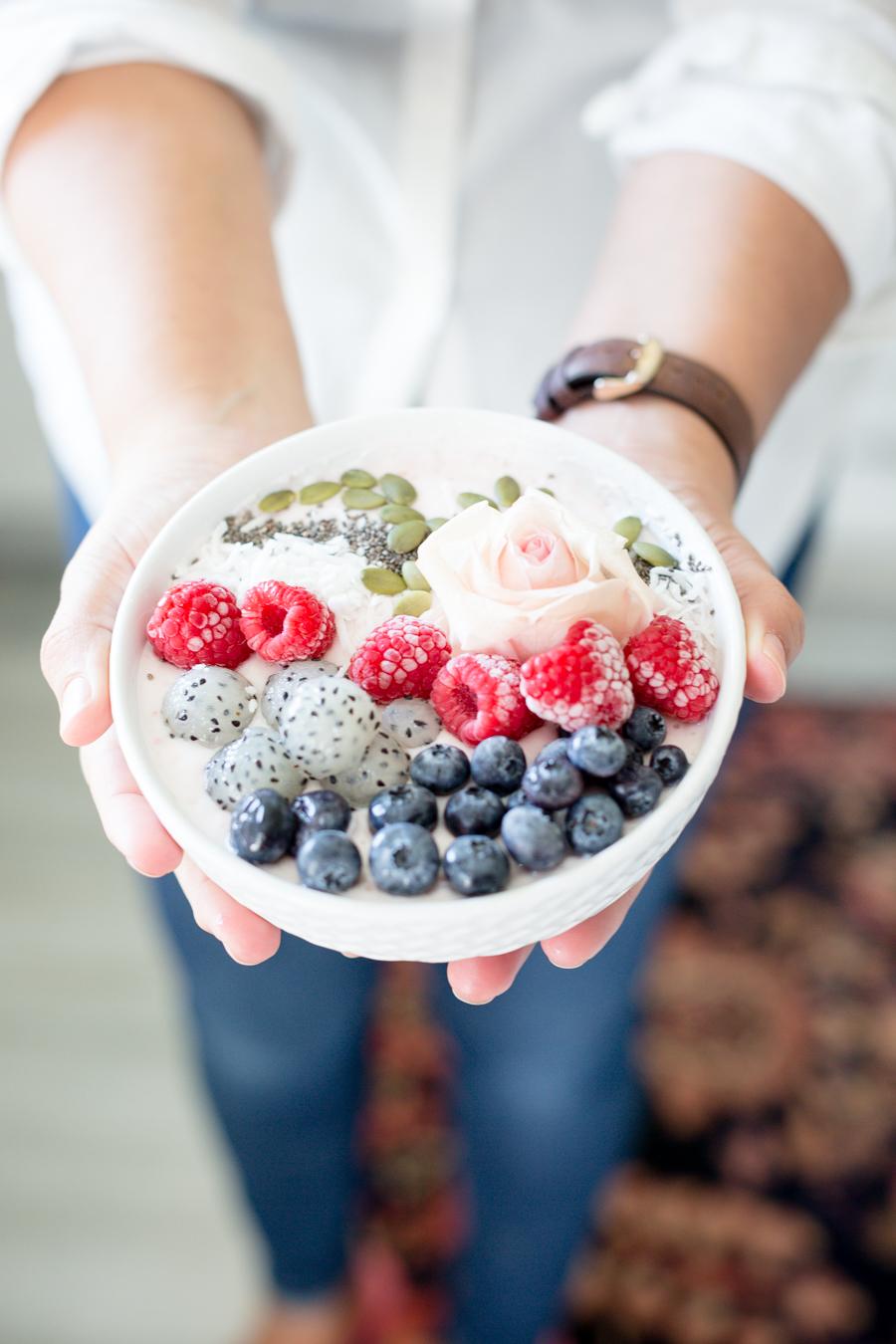 raspberrychiaseedsmoothiebowlcraftberrybush-7