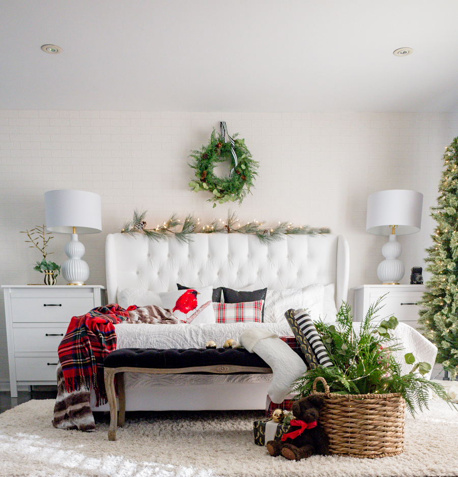 Christmasbedroom. Christmas Bedroom Decor