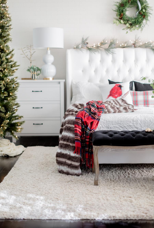 Christmasbedroomcraftberrybush-3