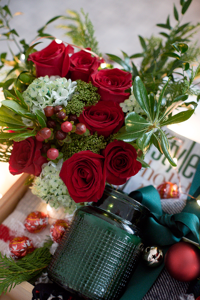 Beautifulchristmasgiftboxcraftberrybush