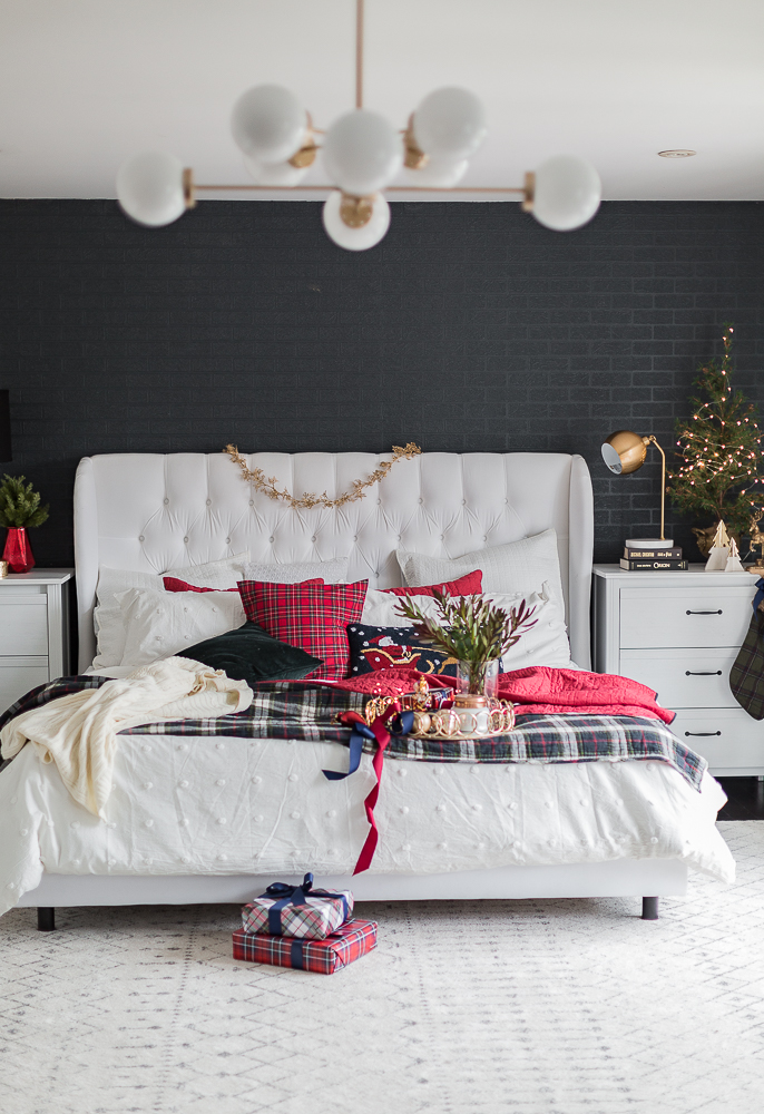 christmasbedroom2018craftberrybush-11