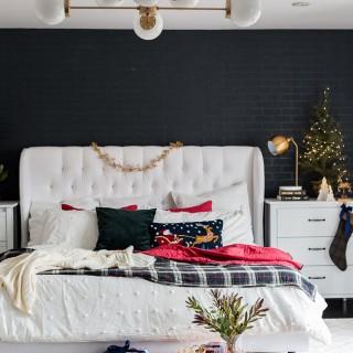 christmasbedroom2018craftberrybush-16