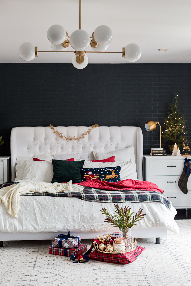 christmasbedroom2018craftberrybush-16