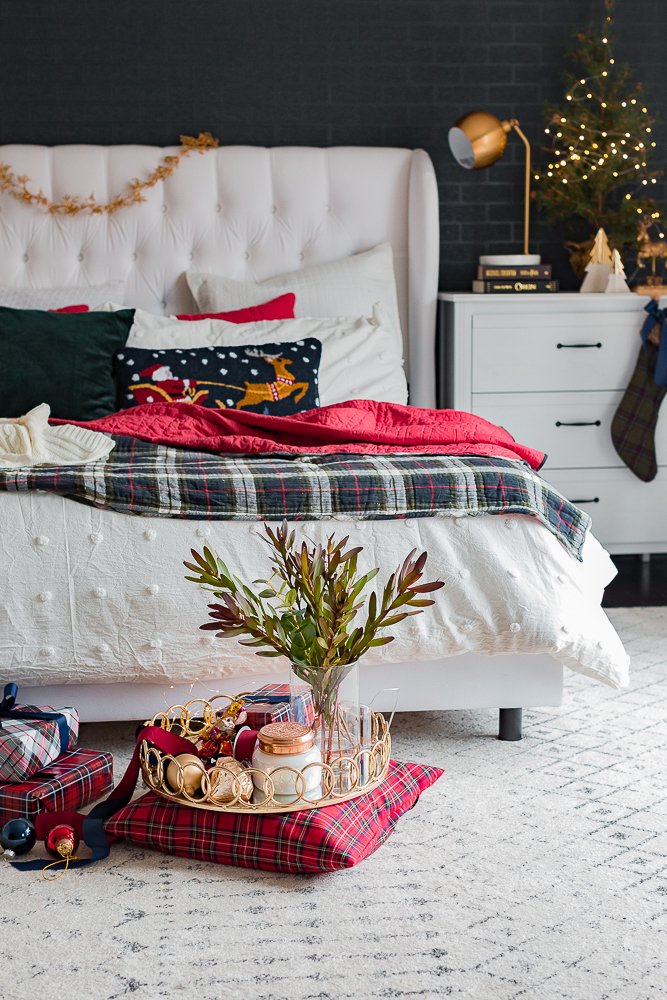 christmasbedroom2018craftberrybush-17