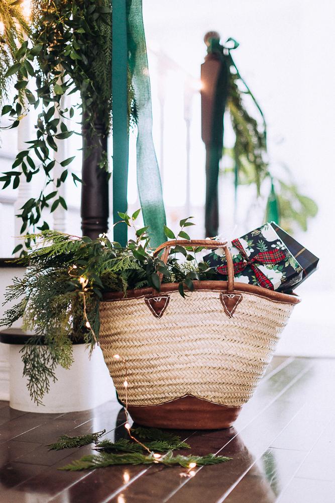 christmasmanteldecorcraftberrybush-11