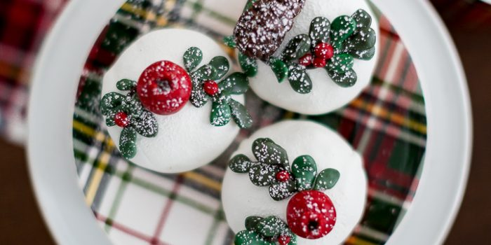 Fondant Christmas Cupcakes and More Delicious Christmas Treats