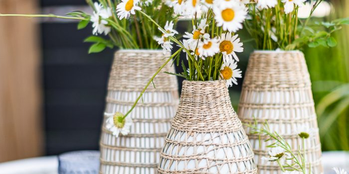 Lemons and Wild Daisies Easy Summer Tablescape