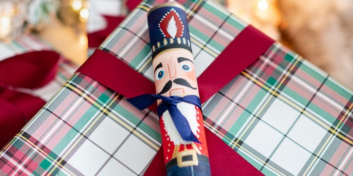 Christmas Nutcracker Cylinder Wrapping DIY