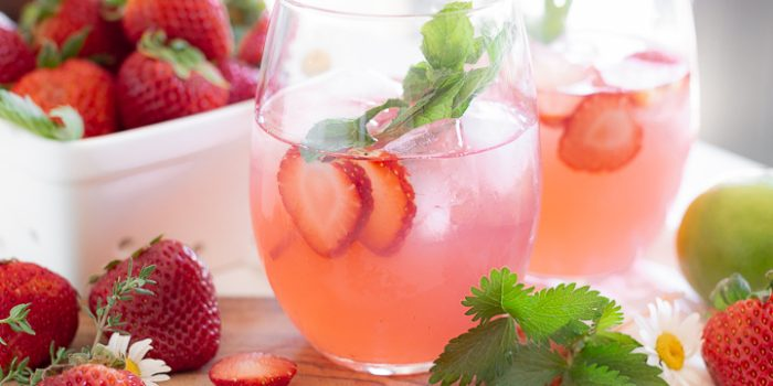 Easy Strawberry Cocktail Recipe